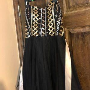 Dresses & Skirts - Short prom/homecoming/formal dress